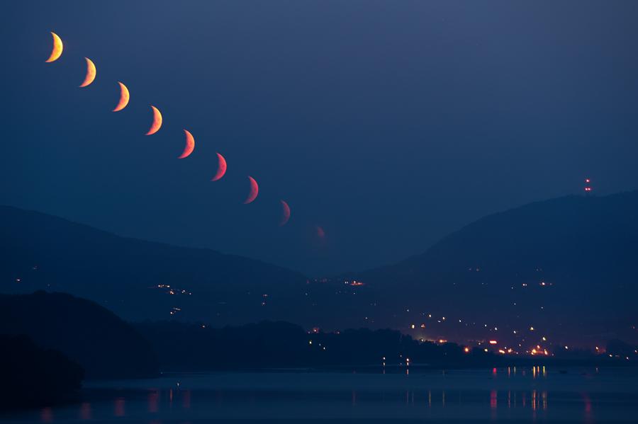Krwawy zachód Księżyca