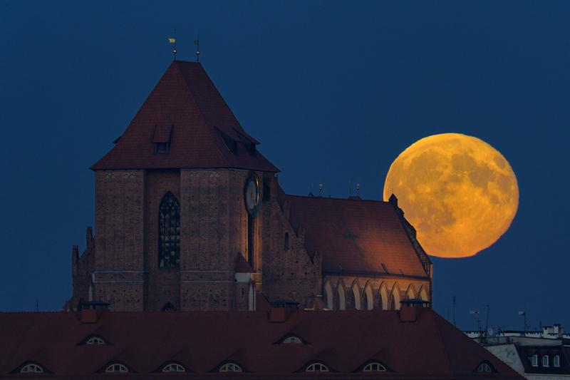 Pełnia Bobrzego Księżyca