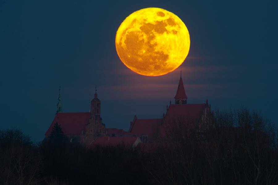 Superksiężyc nadChełmnem