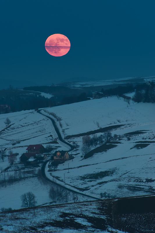 Wchód pełni Księżyca