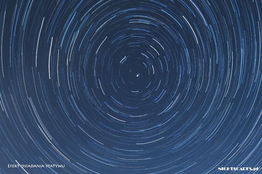 Błędy wfotografii gwiazd: efekt osiadania statywu