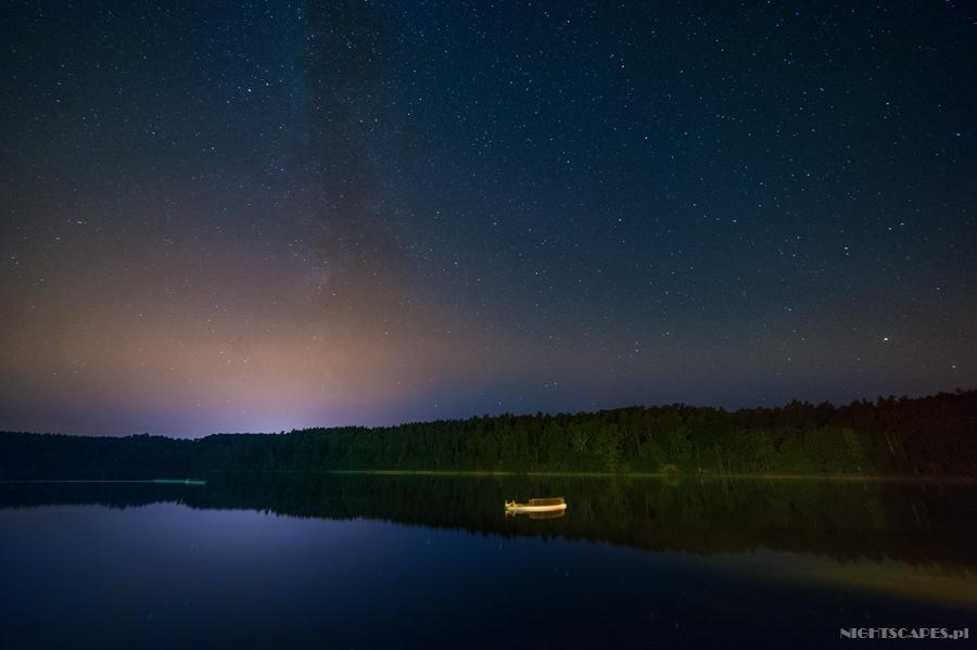 Nocny spacer łabędzi nadBachotkiem