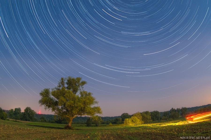 Pozorny-ruch-gwiazd-Startrails_nex-6_900