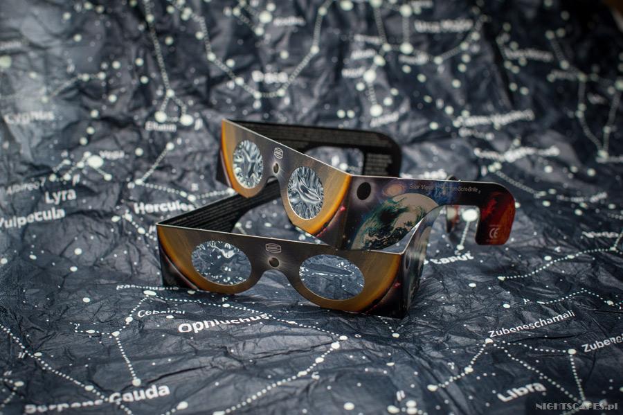 Okulary doobserwacji zaćmienia Słońca zfolią Baadera.