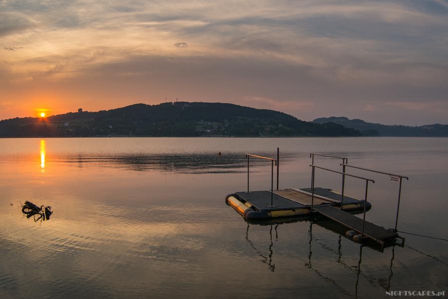 Zachod Slonca Jezioro Roznowskie