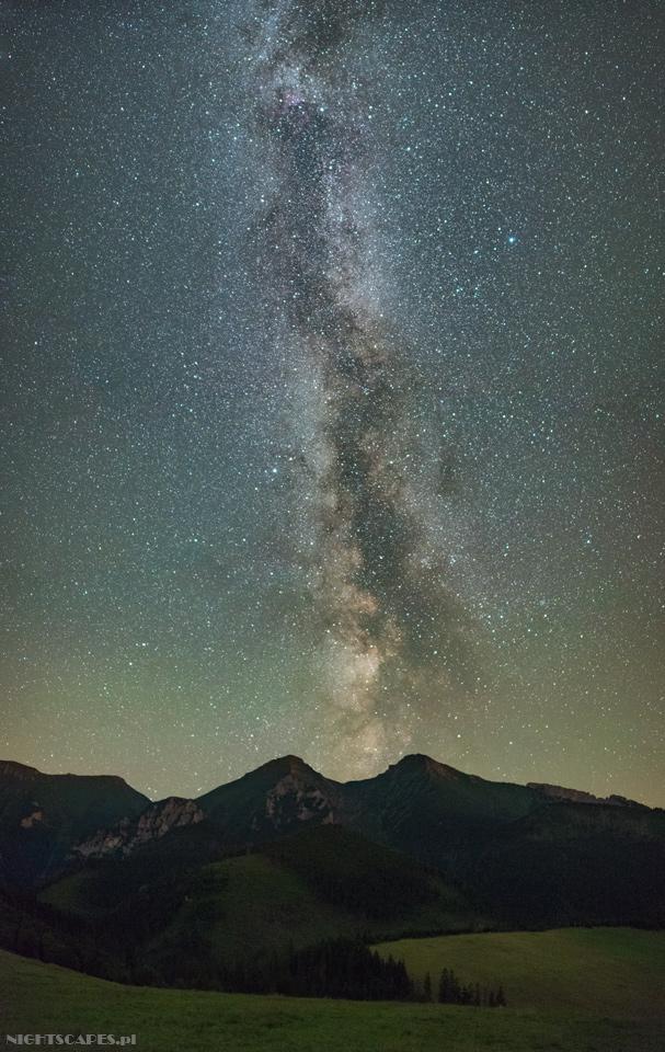 Droga Mleczna nadTatrami Bielskimi widziana zeZdziaru