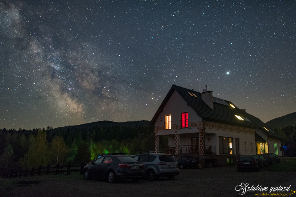 Warsztaty astrofotografii - Droga Mleczna nadPensjonatem Horb wBieszczadach