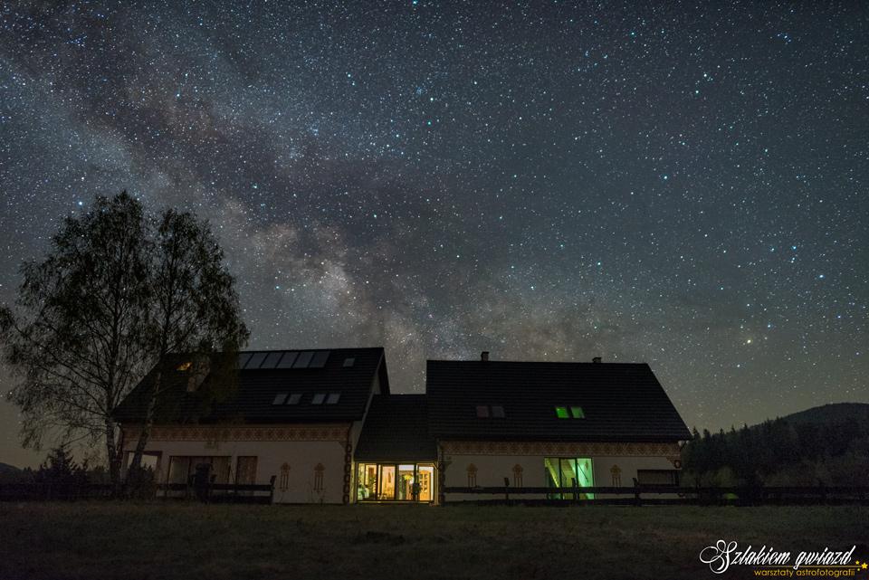 Warsztaty astrofotografii - Droga Mleczna nadPensjonatem Horb wBieszczadach.