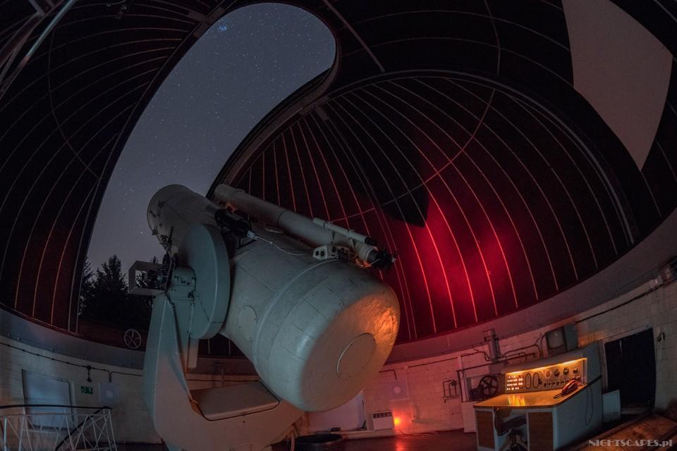 Sterownia teleskopu wPiwnicach. Totu jest kręcone Astronarium