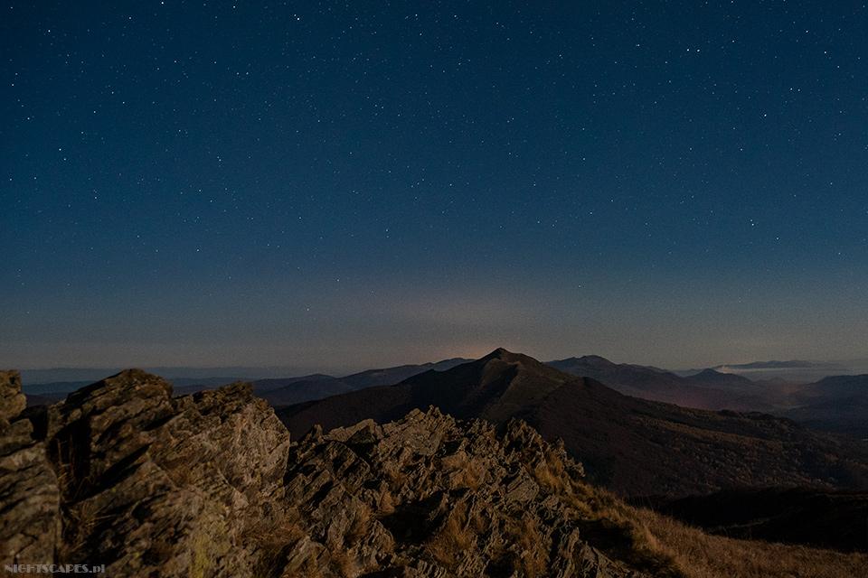 Hasiakowa Skała nocą (Nikon D750, Sigma A35 mm f/1.4 DG HSM: 13s, f/2.8, iso 1600)